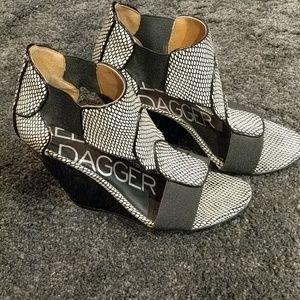Kelsi Dagger wedge open shoe black and cream
